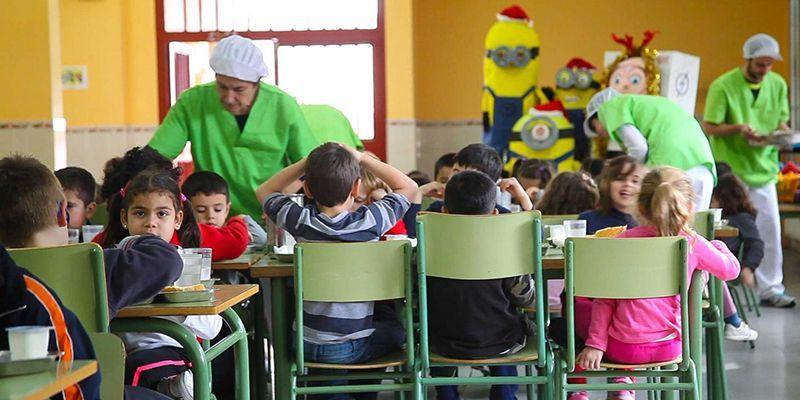 La Junta destina cerca de 10,5 millones de euros a más de 88.000 ayudas de comedor y libros de texto para el próximo curso escolar