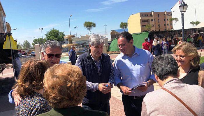 José Manuel Salas habilitará los sábados como segundo día de mercadillo para impulsar la actividad comercial