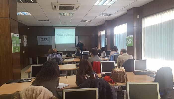 Los empresarios de Tarancón aprenden a vender sus productos y servicios en redes sociales