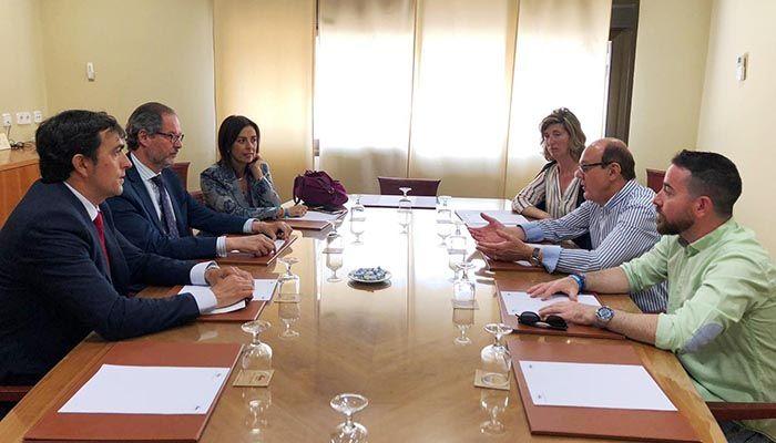 """Luz Moya estimulará la oferta turística anual de Cuenca a través del proyecto """"12 meses 12 eventos"""""""