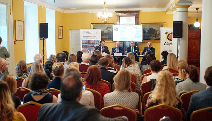 Mariscal destaca ante agentes de viaje y medios de comunicación de Moscú la excelencia de Cuenca