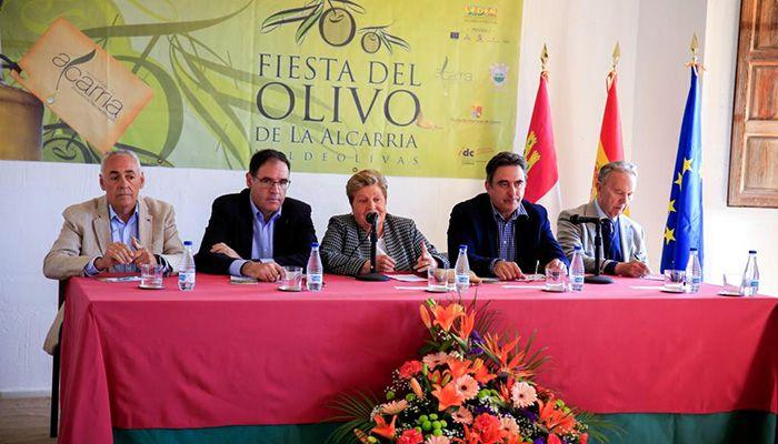 Prieto espera que el futuro Centro de Interpretación del Olivo sea un recurso más para la próxima edición de la Fiesta del Olivo de La Alcarria