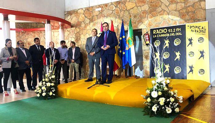 Prieto insiste en la importancia del papel de las cooperativas agroalimentarias en el desarrollo del territorio