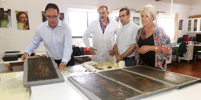 Diputación de Cuenca está acometiendo la restauración de los doce lienzos del Retablo Mayor de la Asunción de Gascueña