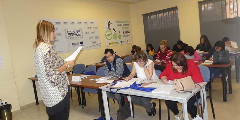 La patronal conquense desarrolla en su sede de Cuenca un curso de inglés comercial
