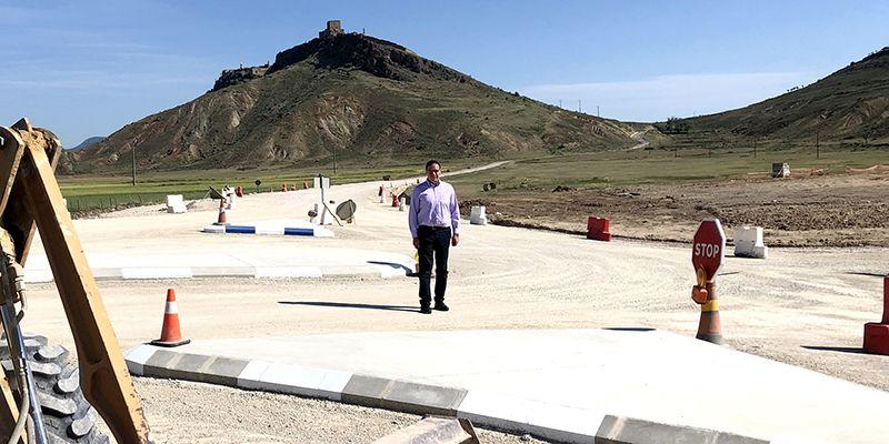 Prieto resalta la relevancia de la construcción de la variante de Los Huertos de Moya para esta zona de La Serranía
