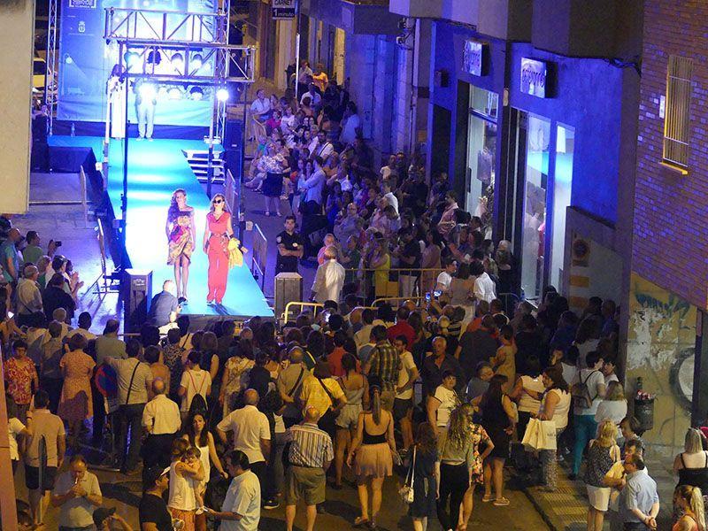 Éxito de participación y ambiente en la I Noche Mágica de las Compras en Cuenca