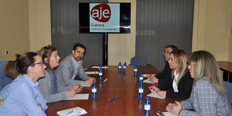 AJE Cuenca comenta la conveniencia de trasladar a los jóvenes con estudios superiores al emprendimiento