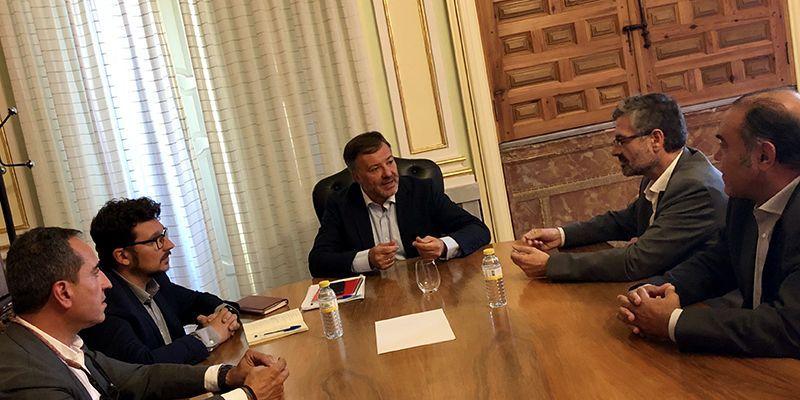 El Ayuntamiento de Cuenca intensificará la limpieza de la ciudad con hasta una docena de baldeos de refuerzo