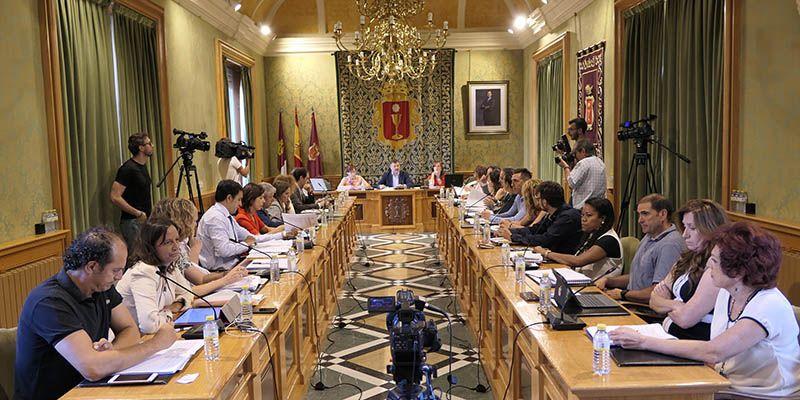 El Pleno orgánico del Ayuntamiento de Cuenca aprueba la dedicación exclusiva de ocho de los 25 concejales