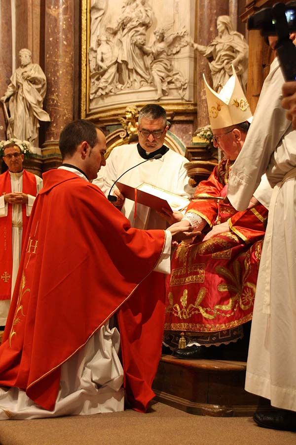 """""""Ser sacerdote es lo más grande que puede haber en la tierra"""""""