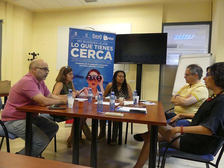 Asociación de Comercio y Ayuntamiento de Cuenca estudian actuaciones de cara a dinamizar el sector en San Julián