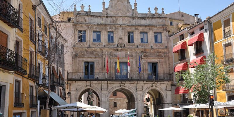 El Ayuntamiento de Cuenca aprueba la OPE 2019 con 16 plazas para los servicios de Policía Local y Bomberos