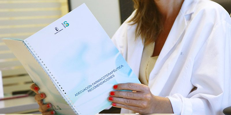 El SESCAM edita una Guía de Adecuación Farmacoterapéutica, con  más de un centenar de recomendaciones sobre el uso racional de medicamentos