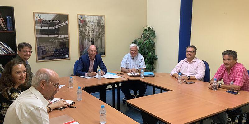 La Junta se reúne con el Consejo de Consumidores y Usuarios de la región