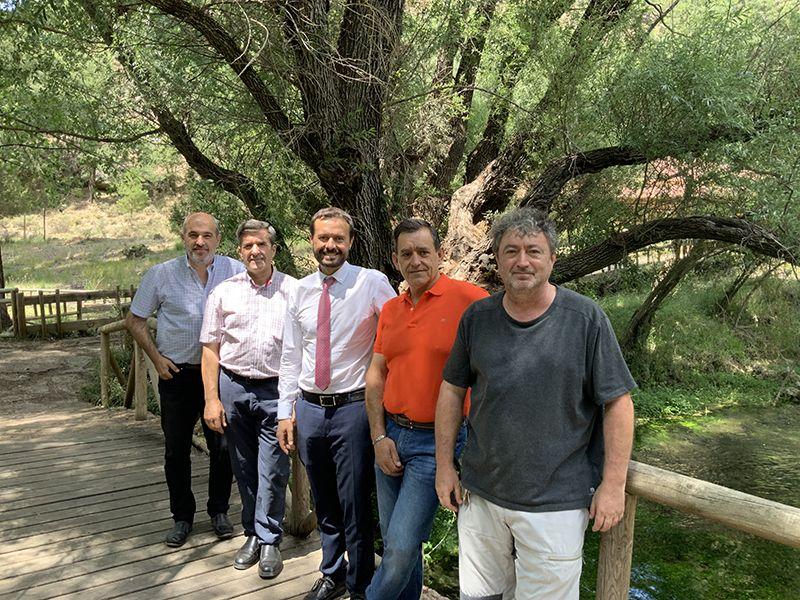 La Junta visita la Escuela Regional de Pesca en el 30º aniversario de su nacimiento
