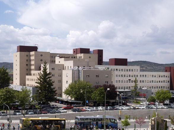 Logran salvar la mano del joven de 21 años que se quedó atrapado en una picadora de carne en Cuenca
