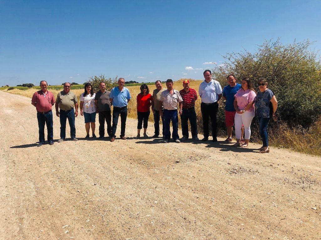 """Prieto: """"Seguiremos reclamando a la Diputación los más de 200 kilómetros de caminos que hay pendientes y consignados económicamente de la legislatura anterior"""""""