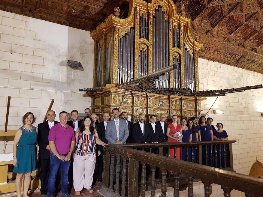 Un centenar de personas se dan cita en el concierto de la organista Lucie Žáková y el coro Alonso Lobo en Cardenete
