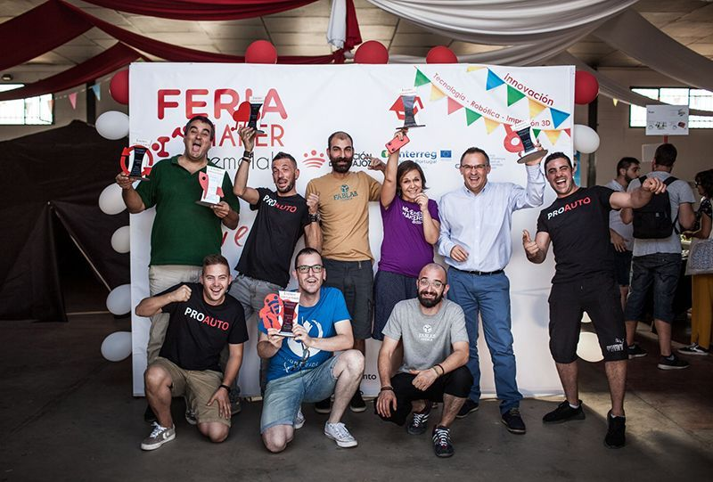 """FabLab Cuenca recibe el primer premio al mejor proyecto educativo con el programa """"Mujeres Makers"""" en la Feria Tecnológica Demolab Maker de Badajoz."""