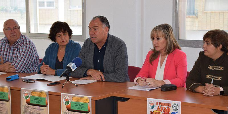 """López Carrizo pone en valor el papel de AFAD como """"referente comarcal"""" en la atención a los enfermos de Alzheimer y otras demencias"""