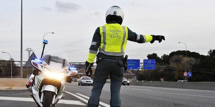 La Guardia Civil investiga a una persona que conducía un turismo en la A-43 a 232 km/h