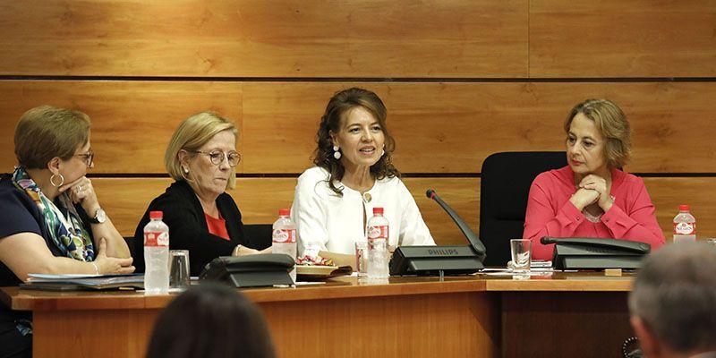 La política social en Castilla-La Mancha se va a desarrollar en 5 ejes y 10 líneas de actuación