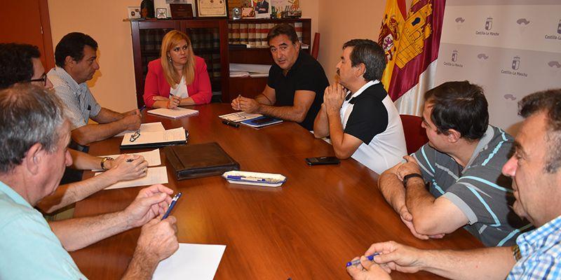 María Ángeles Martínez se reúne con el Sindicato Independiente Agropecuario de Cuenca