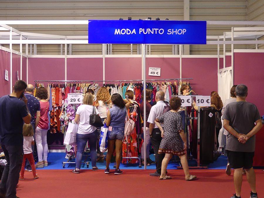 Stockalia Cuenca recibe una constante presencia de consumidores en sus primeras horas