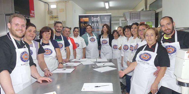 AFEPAN realiza un curso con un maestro panadero dentro de la campaña de promoción del pan artesano