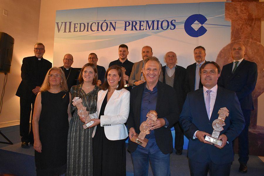 COPE Cuenca reconoce la trayectoria política de José Luis Martínez Guijarro