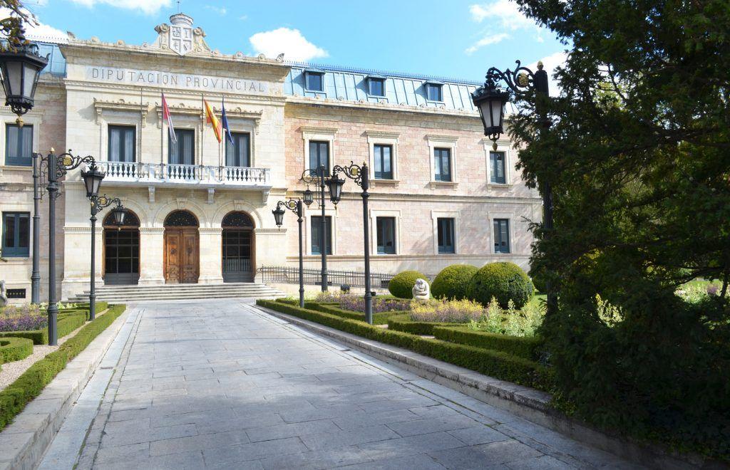 diputaciC3B3n convoca ayudas para la instalaciC3B3n de desfibriladores por valor de 85.000 euros | Informaciones de Cuenca