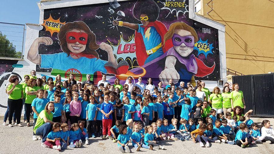 El Colegio de Huete estrena mural en su entrada