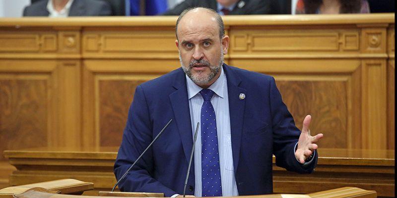 """El Gobierno regional pide """"lealtad institucional"""" a la oposición en el debate sobre la unidad de España"""