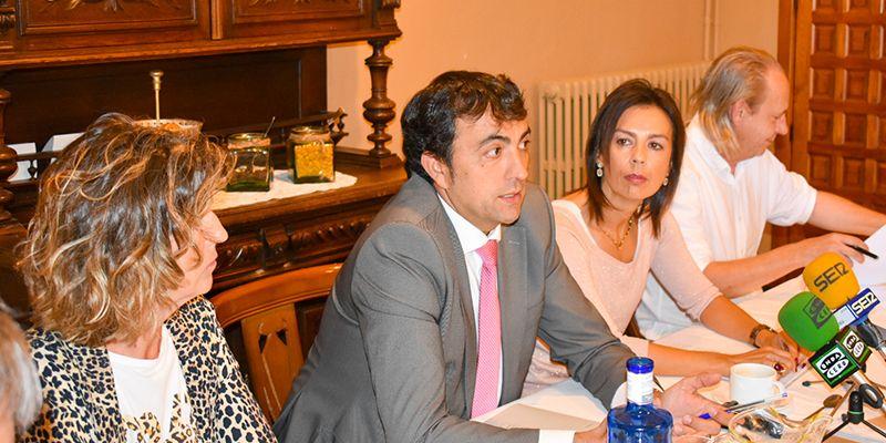 El Grupo Popular advierte de que Dolz e Isidoro son incapaces, a pesar de su rodillo, iniciar la elaboración de los Presupuestos Municipales para 2020