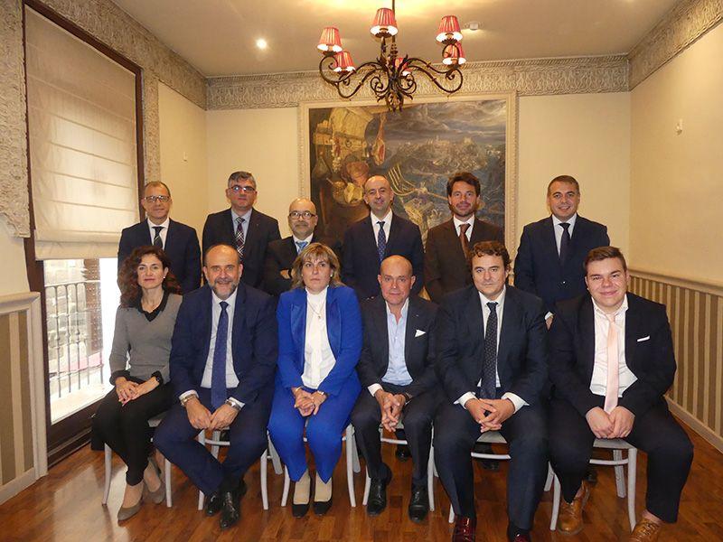 Empresarios y administraciones arropan a Marta Peñuelas el día que recibe el Premio CECAM