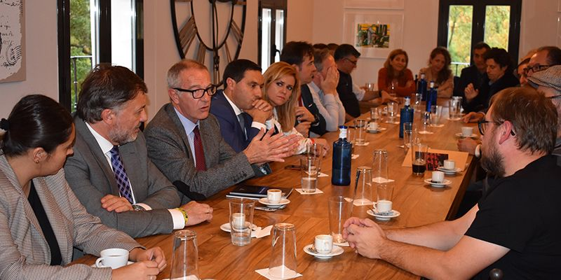 """Guirao destaca la """"suma del entramado local e internacional"""" para poner en valor la cultura en Cuenca"""