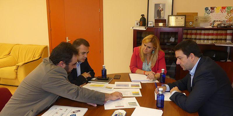 La Junta muestra su disposición a colaborar con el Salón del Vehículo de Ocasión