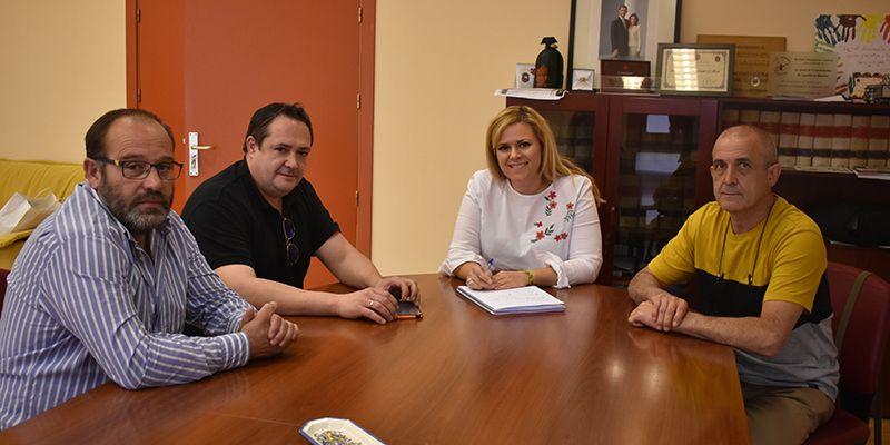 La Junta y el Ayuntamiento de Cañizares apuestan por la fibra óptica como una línea para afrontar el reto demográfico