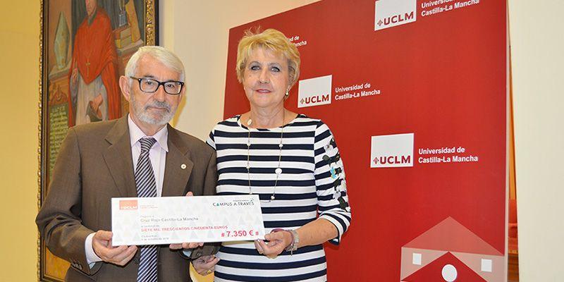 La UCLM dona 7.350 euros a Cruz Roja y a la Delegación Saharaui por la carrera solidaria Campus a Través