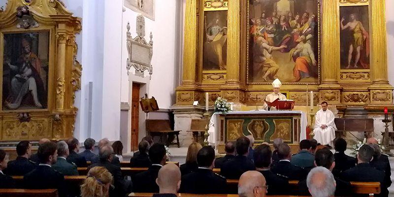 Mons. José María Yanguas acompaña a la Policía Nacional en la festividad de sus patronos, los Ángeles Custodios