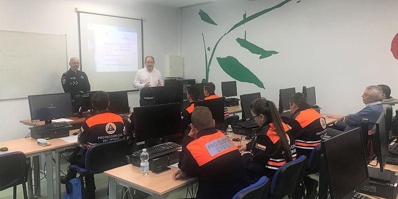 Una treintena de alumnos de Cuenca reciben formación básica para voluntariado de Protección Civil