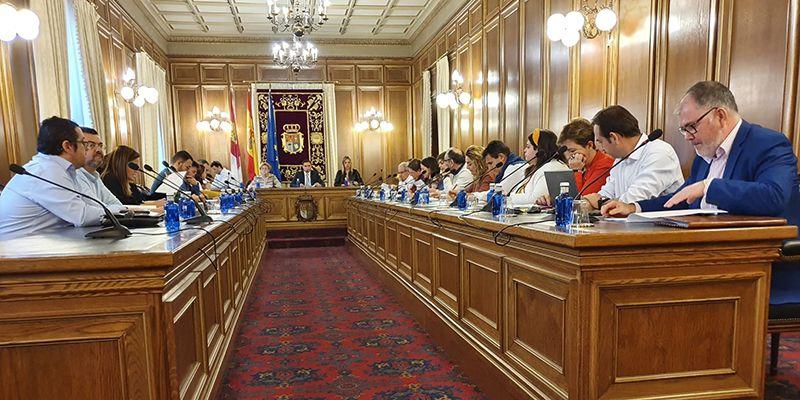 El pleno de la Diputación de Cuenca aprueba una declaración institucional para mostrar su repulsa a cualquier tipo de violencia hacia las mujeres