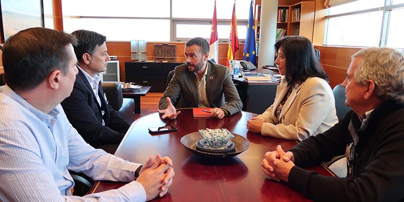 La Consejería de Desarrollo Sostenible y la organización agraria UPA Castilla-La Mancha abordan formas de colaborar en materia de agenda 2030 y educación ambiental