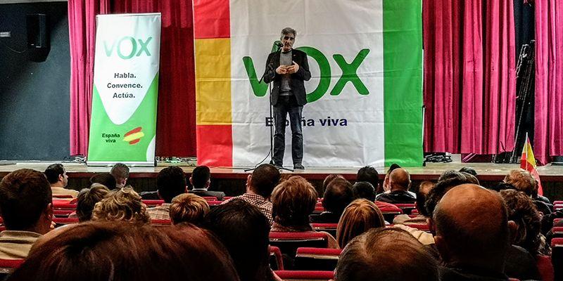 Más de cien personas asisten al mitin de VOX en Quintanar del Rey