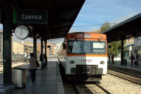 ADIF deja de vender billetes de tren en las estaciones de Cuenca capital, Carboneras de Guadazaón y Huete