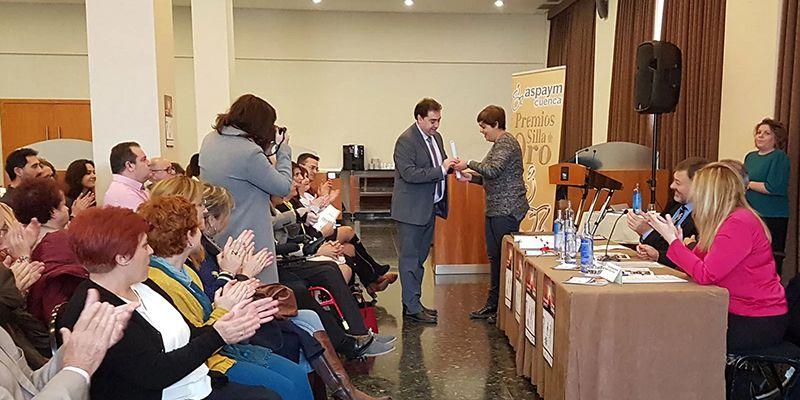 ASPAYM Cuenca otorga el premio Silla de Oro al Ayuntamiento de Huete