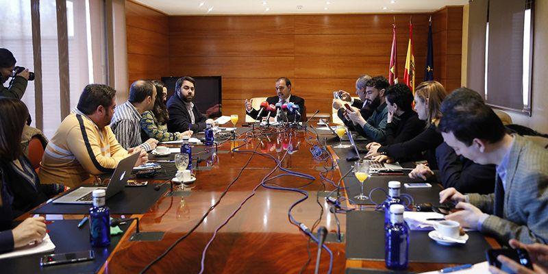 """Bellido confía en que las Cortes regionales prolonguen """"el espíritu de consenso"""" que ha marcado el primer periodo de sesiones"""