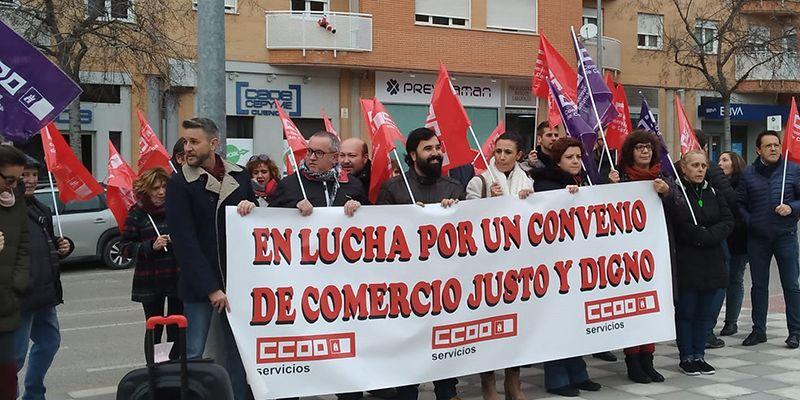 CCOO y las plantillas del Comercio de Cuenca reclaman ante la patronal un convenio colectivo digno para el sector