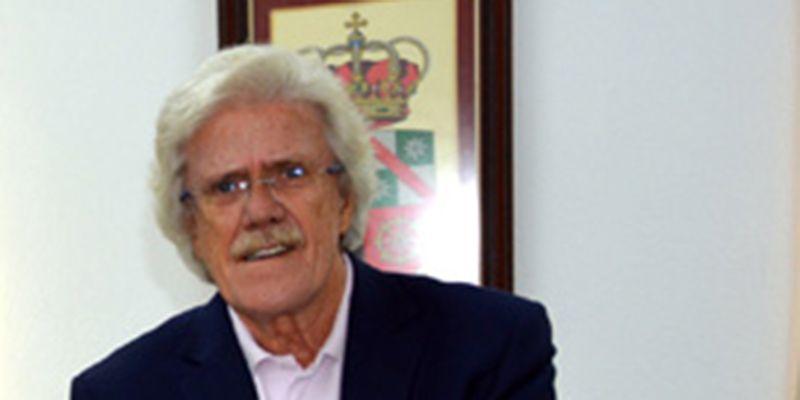 El profesor de la UCLM Félix Pillet será mañana el protagonista del Aula de Poesía de la Facultad de Letras